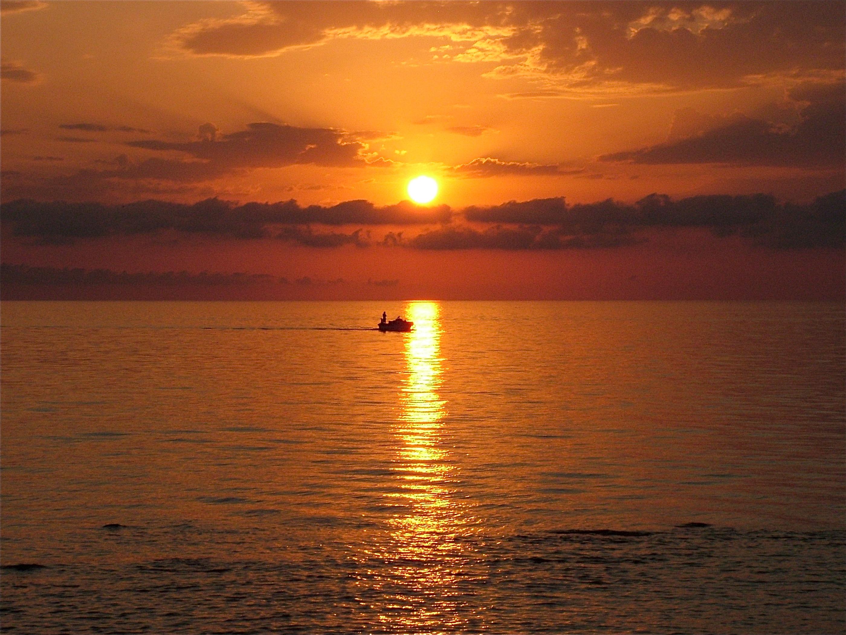 un caldo tramonto di ferragosto domodama
