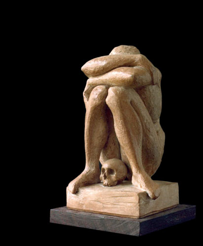 Il parto, opera in terracotta di Salvatore Rizzuti