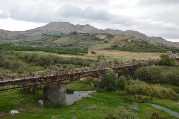 Vecchio ponte sul fiume Salso di costagar51