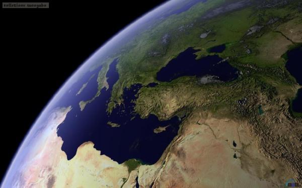Mar Mediterraneo dallo spazio