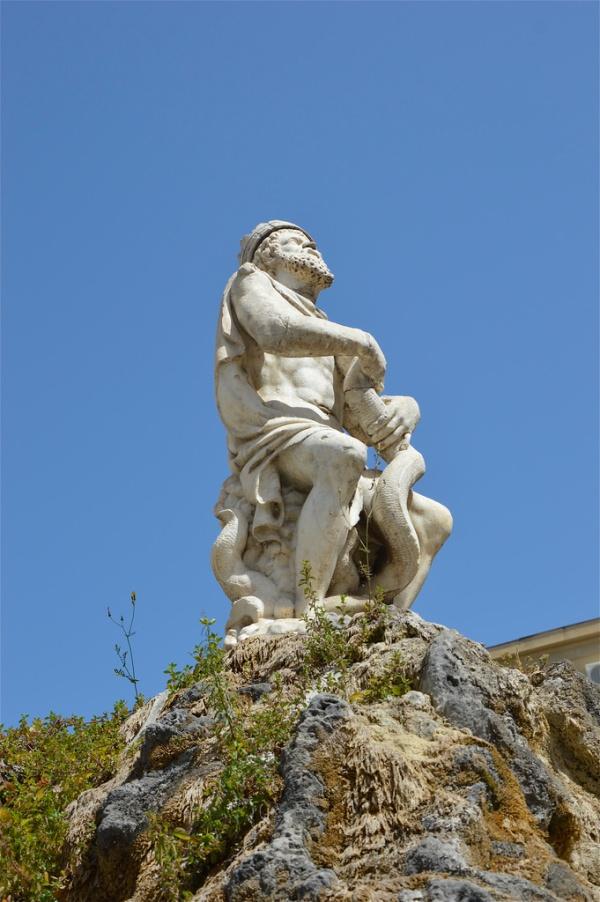 Il Genio di Palermo sulla fontana in Piazza Rivoluzione di costagar51