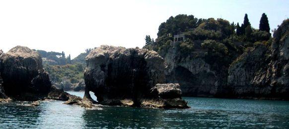 Villaggio-le-Rocce-Foto-Giuseppe-Sbisa-Panoramio