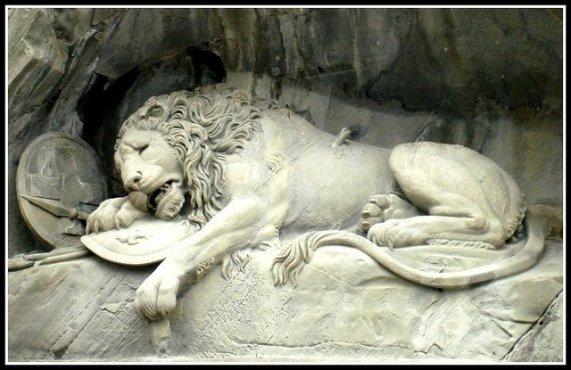 leone-morente-di-Lucerna